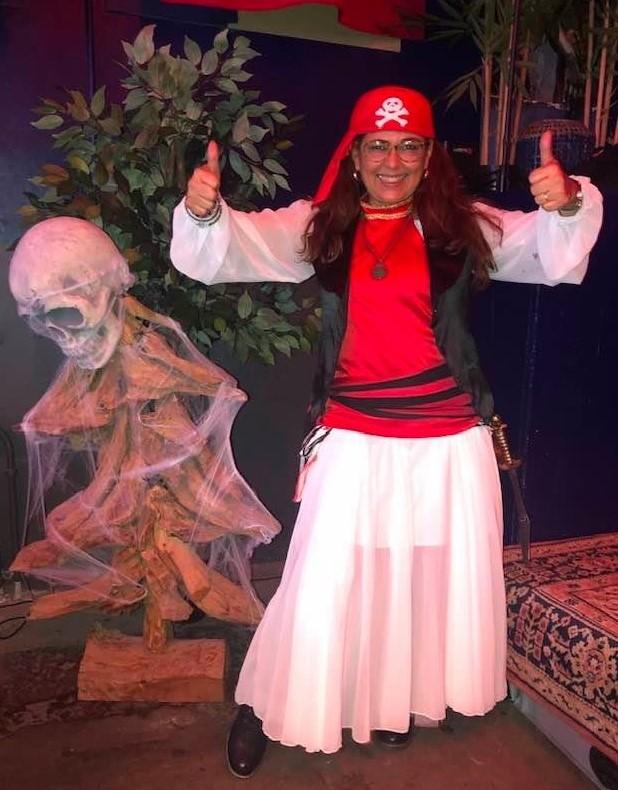 mog-pirate-halloween